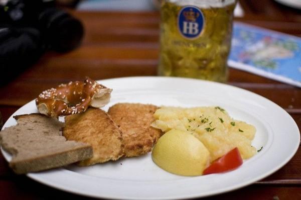 Баварская кухня - умей радоваться простым вещам!
