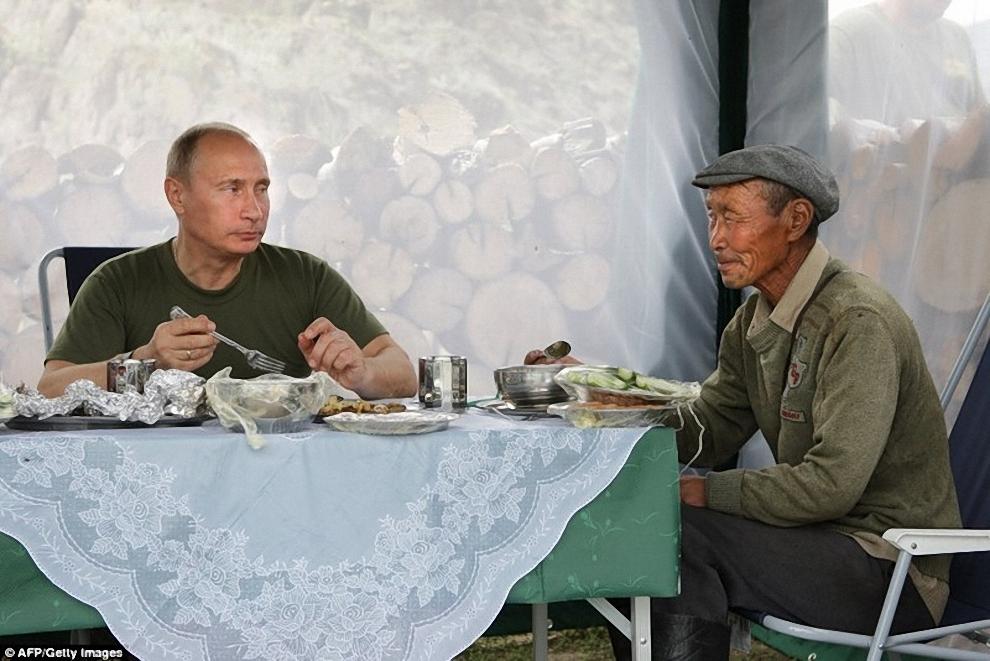 Путин в Тыве, 2009 год