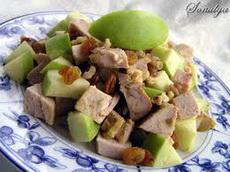 Салат яблочный с курицей