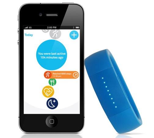 FitbitFlex - новая фенечка помешанных на фитнесе