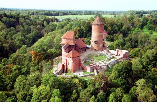 turajdskij_zamok-sigulda-latvija