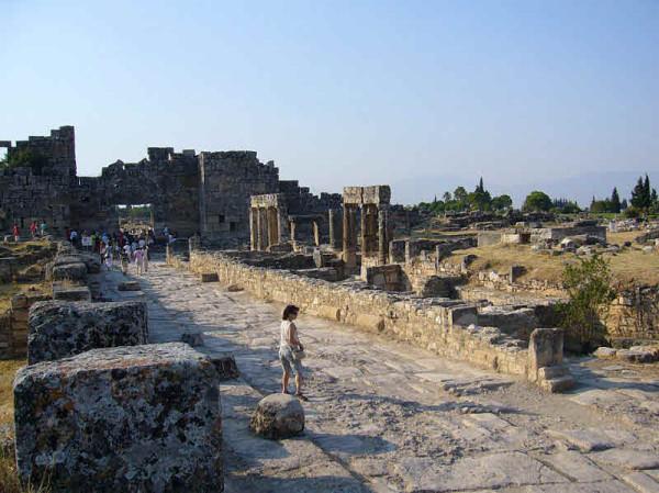 Памуккале Северные ворота Иераполис
