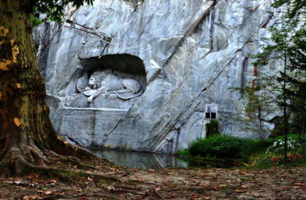 Умирающий лев в Люцерне