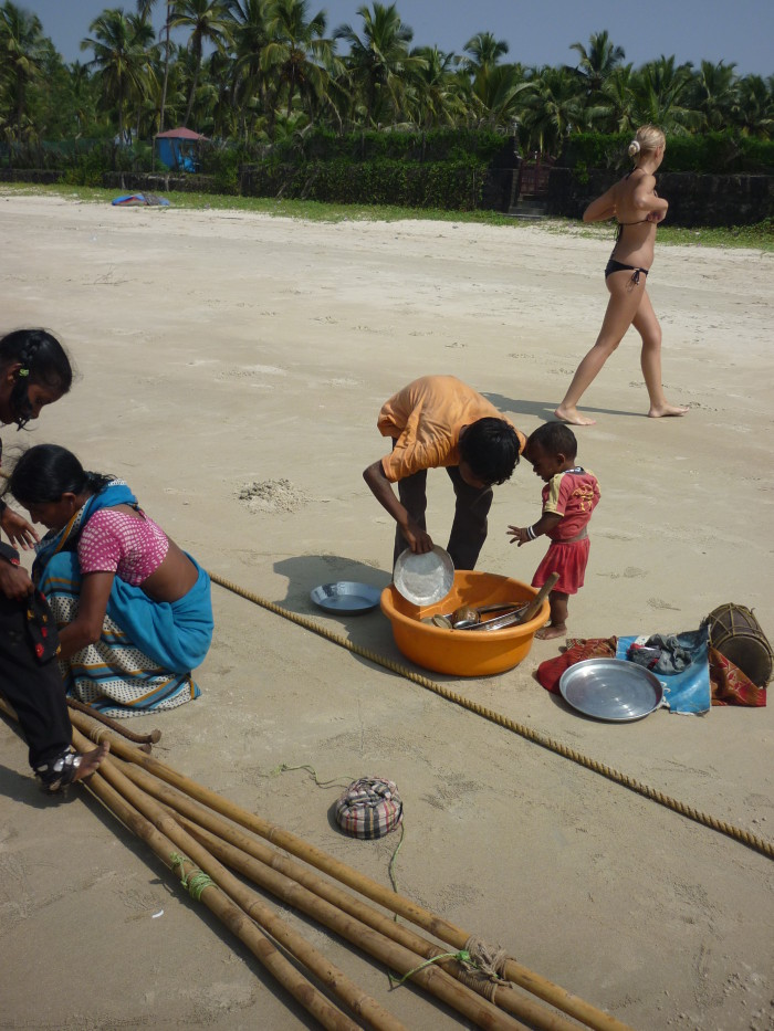 Бродячий цирк на пляжах Гоа