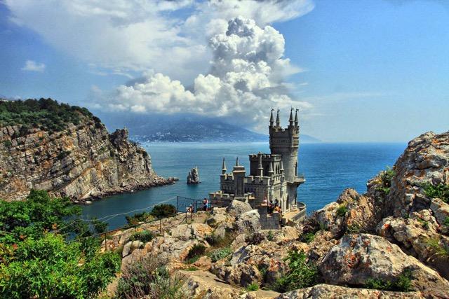 Крым зимой: стоит ли ехать?