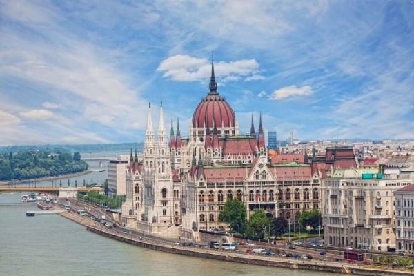 Венгерский парламент - главная достопримечательность Будапешта